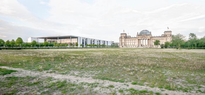 MODENA: MOSTRA FOTOGRAFICA SUI 30 ANNI DEL MURO DI BERLINO